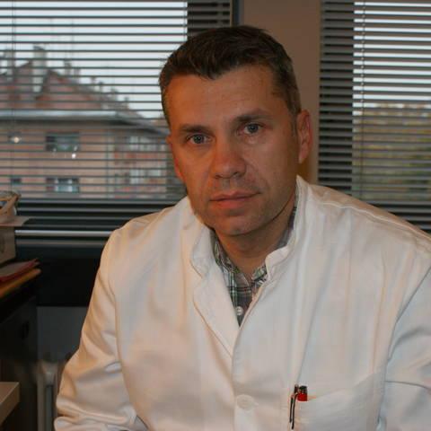 dr. Renato Janusic