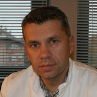dr. Renato Janusic