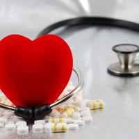 srce, stetoskop, lijekovi