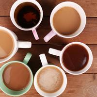 Kava ili čaj šalice na stolu šalica shutterstock 271055624