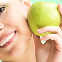 jabuka zubi lice