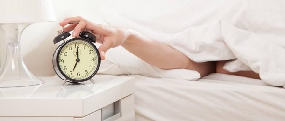 Jutro buđenje budilica alarm odgađanje alarma