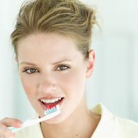 zubi-cetkica-zena-njega-osmijeh9