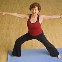 Vjezbanje, zena starija, joga