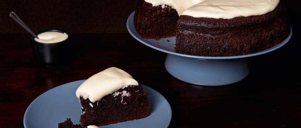 čokoladna torta guinness shutterstock