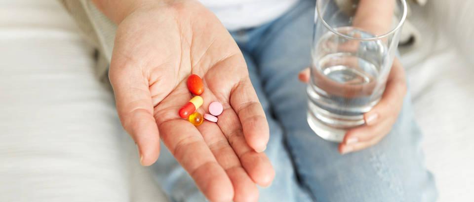 Antibiotici lijekovi terapija shutterstock 393406840