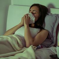 kasalj, prehlada, krevet, Shutterstock 1158330775