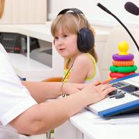 sluh djeca, Shutterstock 79911262