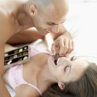 seks-par-čokolada-užitak-ljubav