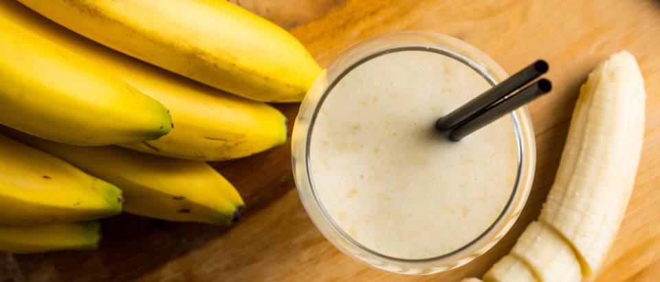 Smoothie banana čaša shutterstock 309131675