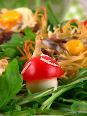 gnijezda sa sumskim gljivama i prepelicjim jajima (2)