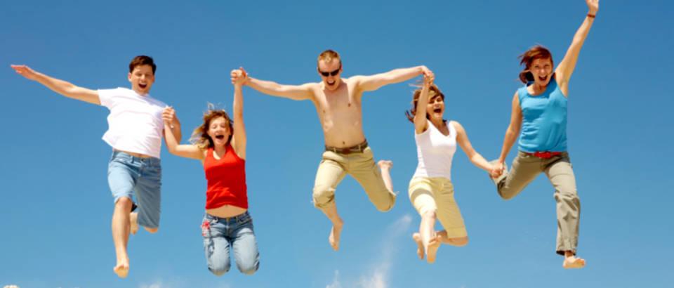 skok, plaza, sreca, veselje, radost