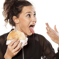Začinjena hrana ljuta hrana ljuto hlađenje jezika shutterstock 200160875