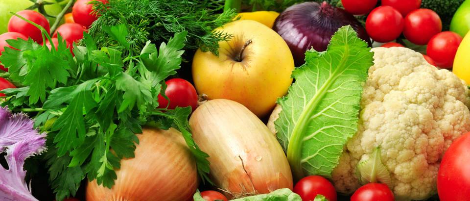 Povrce voce jabuka luk cvjetaca persin kopar rajcica salata zacinako bilje shutterstock 120185890