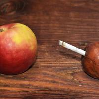Pluća pušenje jabuke shutterstock