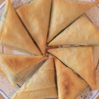 Poslastica sa sirom i spinatom - recept Nada