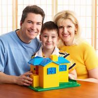 obitelj-dijete-sreca-igra-par-veza-1