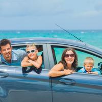 obitelj u autu, Shutterstock 95739469