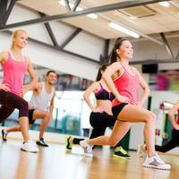 Fitness teretana vježbanje žene shutterstock 164474051