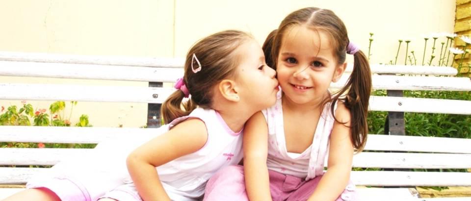 Dijete, djeca, prijateljstvo, djevojcice