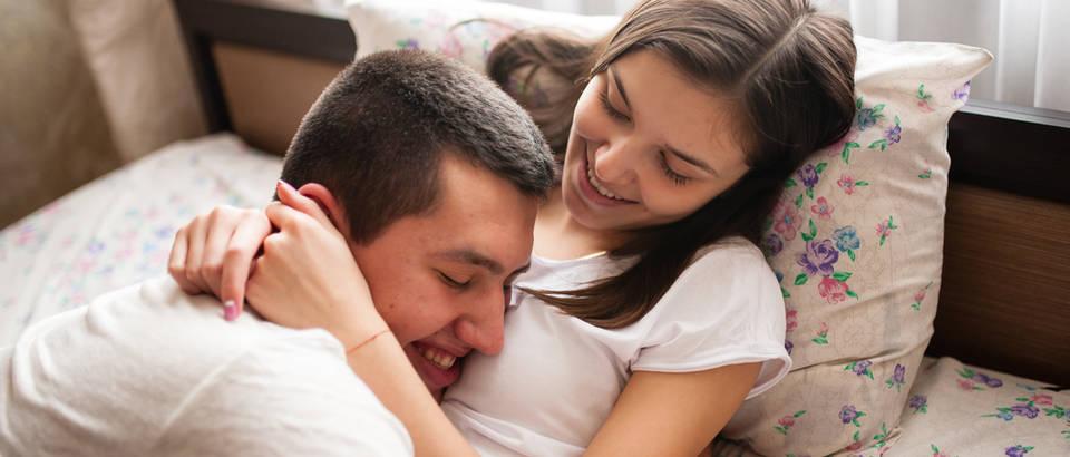 ljubav, mladi par, Shutterstock 521050402