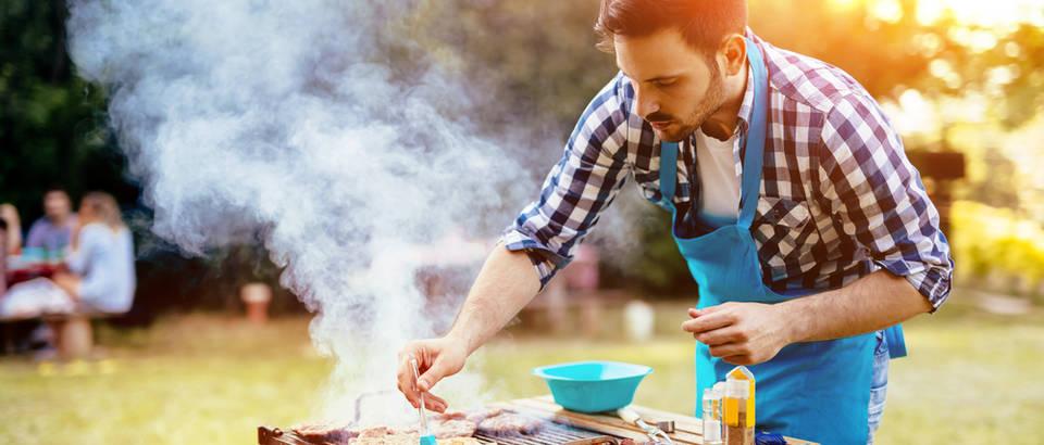 rostilj, Shutterstock 443409892