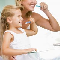 Mama,dijete, zubi, pranje, cetkanje