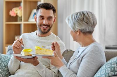 Roditelji zadovoljniji životom nakon što im djeca odu iz obiteljskog doma