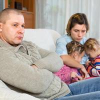 obitelj, ljut otac, Shutterstock 290383343