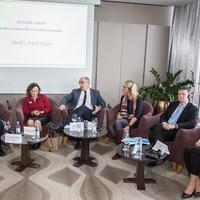 Dr. Dijana Derganc, prof. dr. Wieslava Poravska, prof. dr. Srđan novak, dr. Katinka Giezeman, Jozef Belcik, Danica Juričić Nahal   Biosimilari press 09