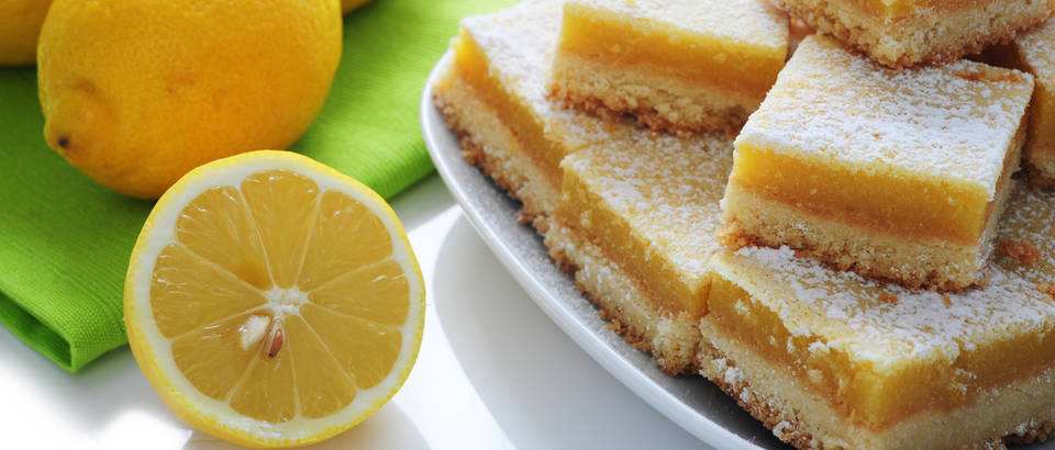 kolac od limuna, Shutterstock 70314133