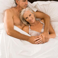 par-seks-krevet-stariji-ljubav5