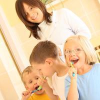 zubi pranje mama sin