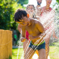 Dijete vrućna vodaa