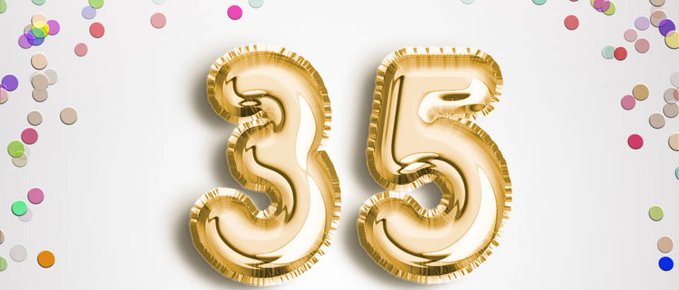 35 godina Shutterstock 656328229