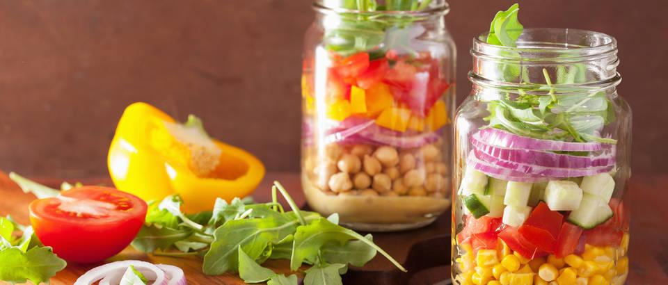Staklenka salata povrće obrok staklo shutterstock 343276733