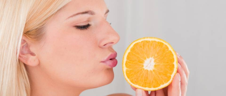 Zena, zdrava hrana, naranca, ljepota, voce