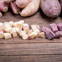 Batat slatki krumpir shutterstock 326003477