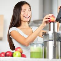 detoks, zdrava hrana. napitak. shutterstock