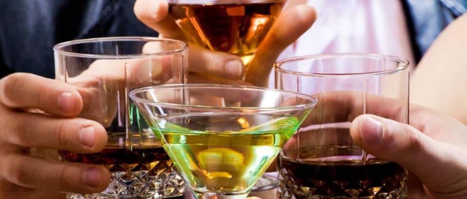 alkohol-pice-koktel-zdraviica