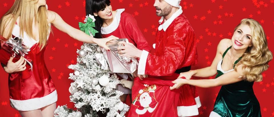 djed mraz čestitke Seksi božićna čestitka poznatih Mrazica. i jednog zgodnog Djeda  djed mraz čestitke