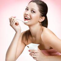 Zena jogurt shutterstock 157434866