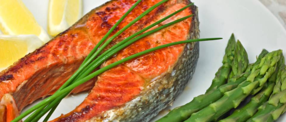 riba-tuna-losos-omega-3-povrce-sparoge-dijeta-zdravo8