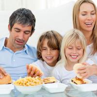 obitelj-hrana-junk-fast-food-odmor-zabava