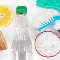 esencijalan ulja,ciscenje,  Shutterstock 180391046