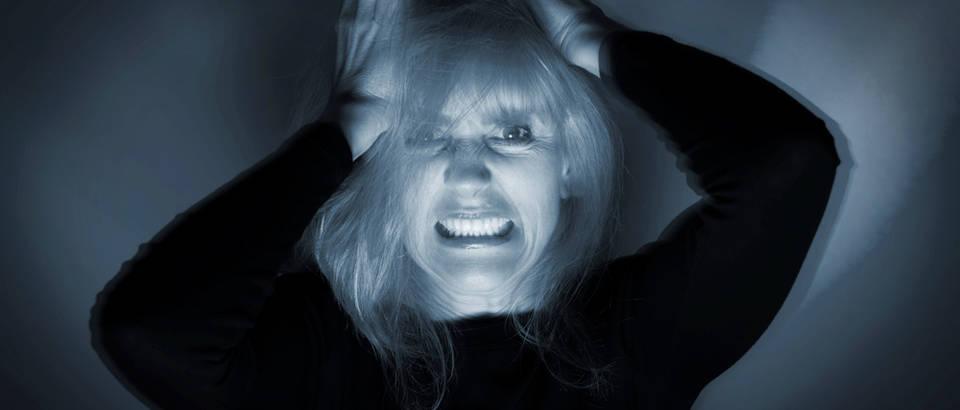Panika, napad panike, žena, noć, mrak, Shutterstock 146980184