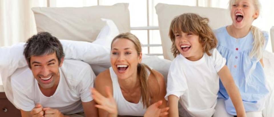 obitelj-sreca-zabava-dijete2