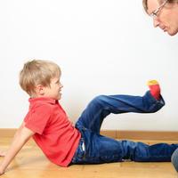 Dijete roditelj svađa shutterstock 266923976