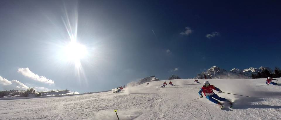 DEMO TEAM FORMACIJA puhak skijanje