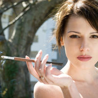 zena-lijepa-cigareta-pusenje28